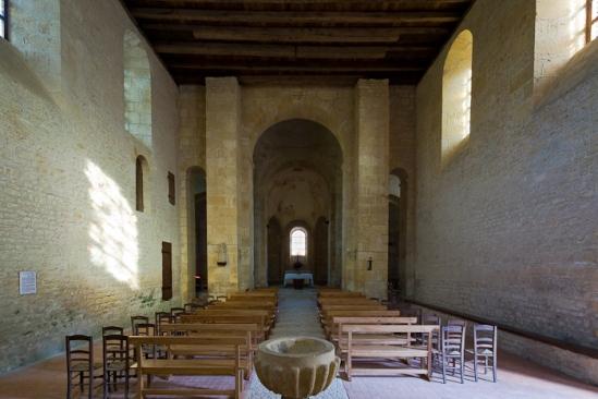Nave, Église Saint Léonce, Saint-Léon-sur-Vézère (Dordogne)  Photo by Dennis Aubrey