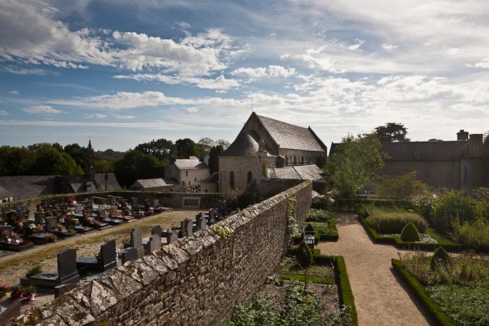 Abbaye Notre-Dame de Daoulas, Daoulas (Finistère)  Photo by PJ McKey