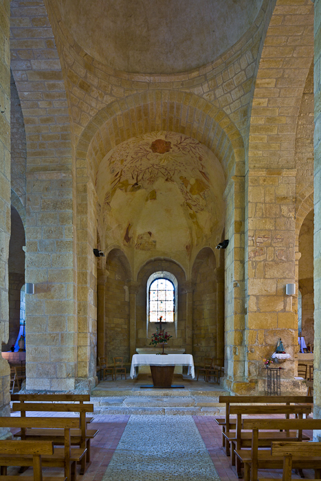 Crossing arch and apse, Église Saint Léonce, Saint-Léon-sur-Vézère (Dordogne) Photo by PJ McKey