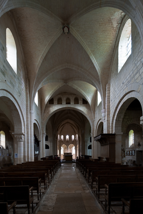 Nave, Abbaye Notre Dame de Morienval, Morienval (Oise) Photo by Dennis Aubrey