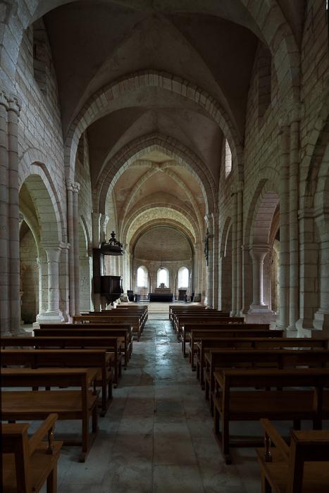 Nave, Eglise Notre Dame de l'Assomption, Mont-devant-Sassy (Meuse)  Photo by Dennis Aubrey