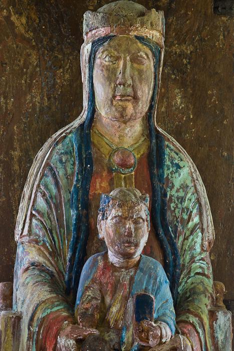 Vierge en majesté (replica), Eglise Notre Dame de l'Assomption, Mont-devant-Sassy (Meuse) Photo by Dennis Aubrey