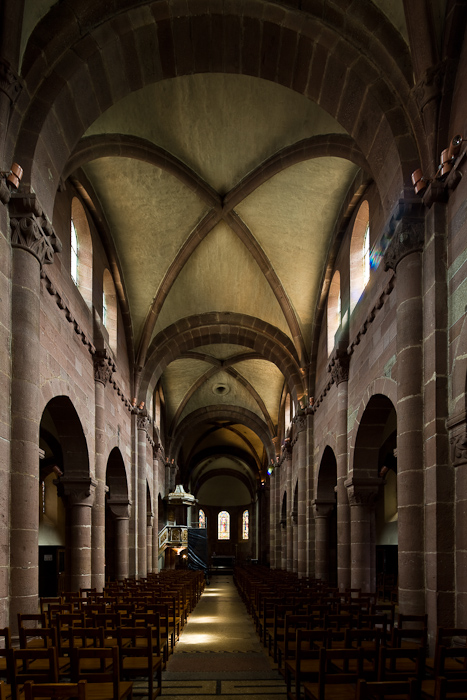 Nave, Église Sainte Foy, Sélestat (Bas-Rhin)  Photo by Dennis Aubrey