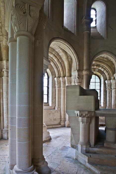 Ambulatory, Abbaye Notre Dame de Morienval, Morienval (Oise) Photo by PJ McKey