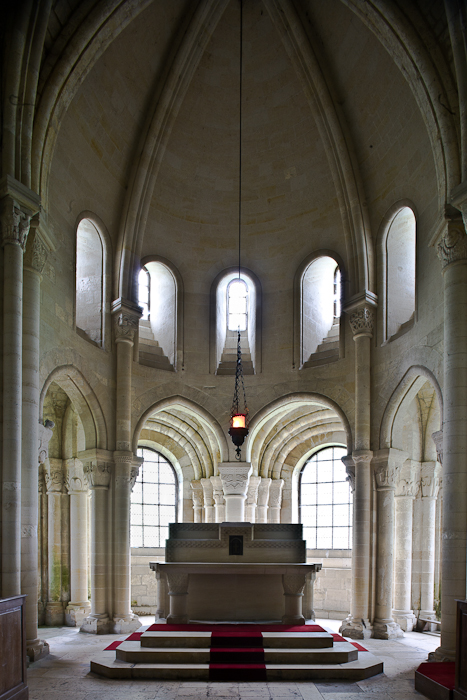 Apse and ambulatory, Abbaye Notre Dame de Morienval, Morienval (Oise) Photo by PJ McKey