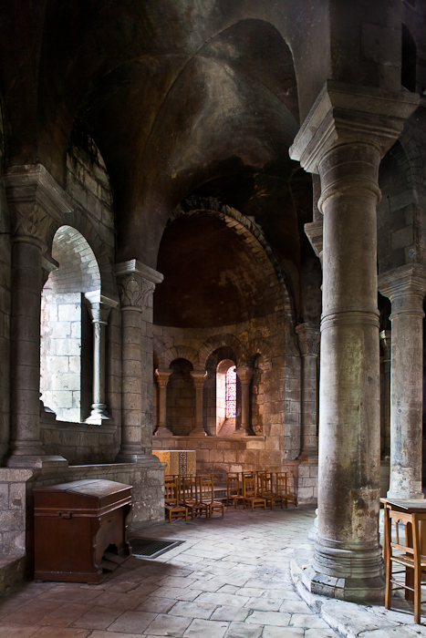 Ambulatory, Église Saint-Etienne, Nevers (Nièvre)  Photo by PJ McKey