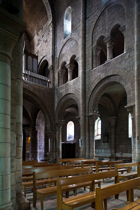 Nave looking northwest, Église Saint-Etienne, Nevers (Nièvre)  Photo by PJ McKey