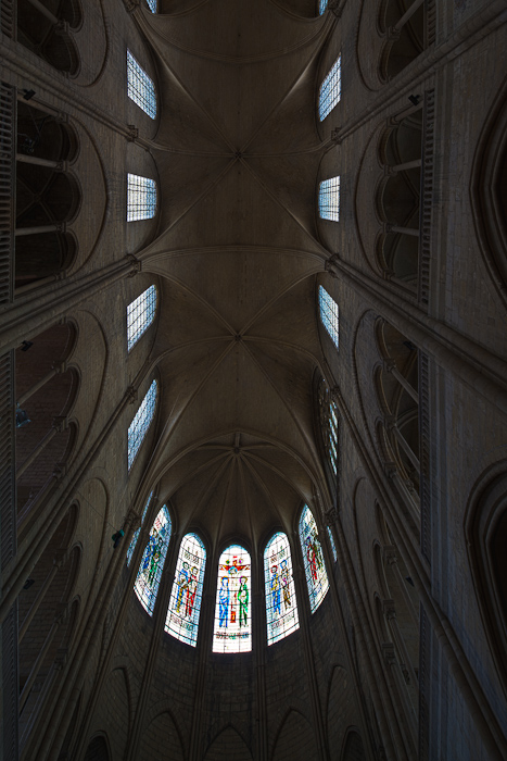 Sexpartite vault, Collégiale Notre-Dame, Mantes-la-Jolie (Yvelines)  Photo by Dennis Aubrey