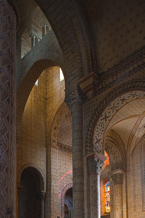 Transept, Église Saint-Julien de Chauriat, Chauriat (Puy-de-Dôme) Photo by Dennis Aubrey