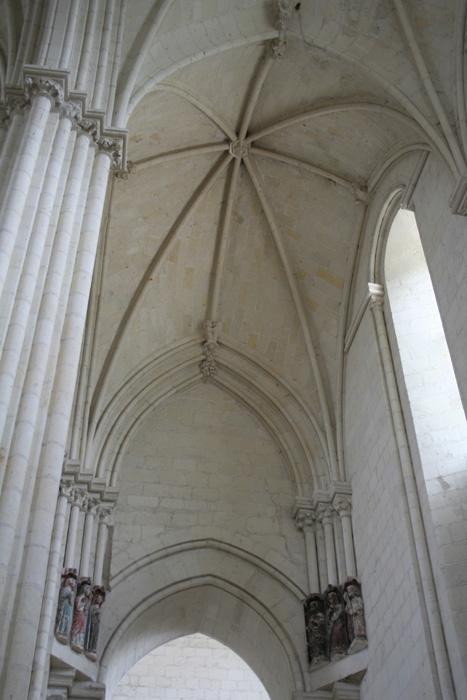 Interior, northern aisle, Collégiale de Candes-Saint-Martin, Candes-Saint-Martin (Indre-et-Loire) Photo by Marc Hassner