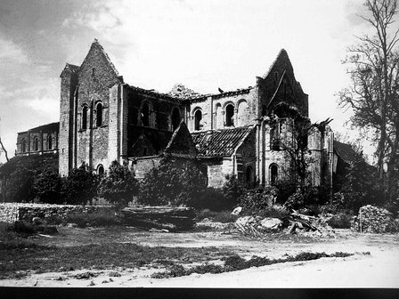 Abbaye Sainte Trinité, Lessay (Manche), July 1944