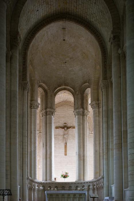 Hemicycle, Église Notre-Dame de Cunault, Cunault (Maine-et-Loire) Photo by Dennis Aubrey