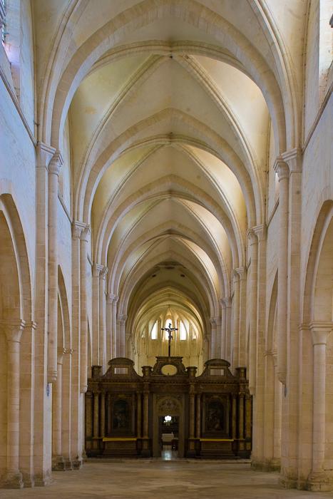 Nave, Eglise Abbatiale Notre Dame de Pontigny, Pontigny (Yonne)  Photo by Dennis Aubrey