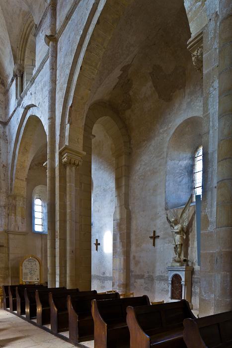 Nave and side aisle, Église Saint Paul de Châteauneuf, Chateauneuf (Saône-et-Loire) Photo by PJ McKey