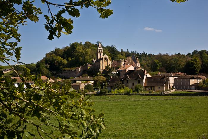 Église Saint Paul de Châteauneuf, Chateauneuf (Saône-et-Loire)  Photo by PJ McKey