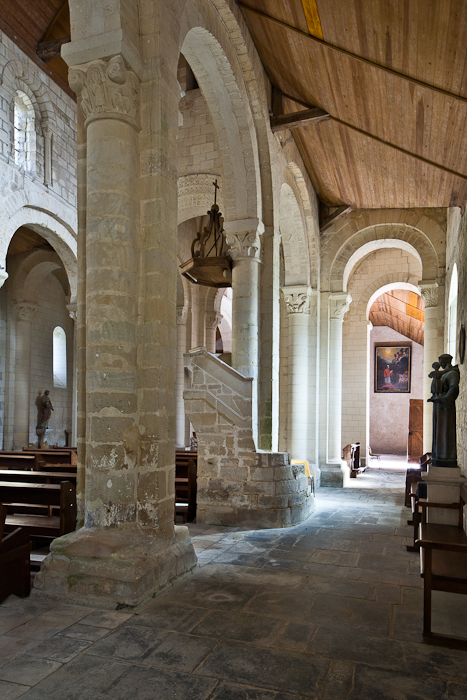 Side aisle, Église Saint-Sulpice, Secqueville-en-Bessin (Calvados) Photo by PJ McKey