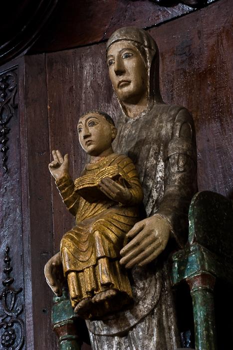 Notre Dame de Chauriat, Église Saint-Julien de Chauriat, Chauriat (Puy-de-Dôme) Photo by Dennis Aubrey