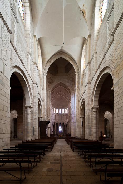 Nave, Prieuré Notre-Dame, La Charité-sur-Loire (Nièvre)  Photo by Dennis Aubrey