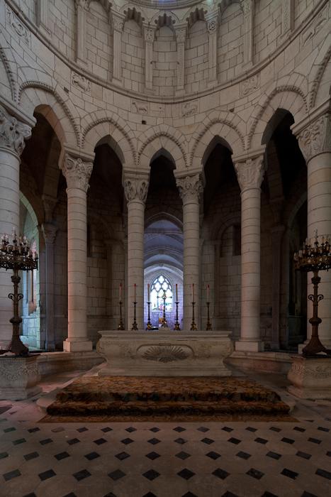 Choir and hemicycle, Prieuré Notre-Dame, La Charité-sur-Loire (Nièvre) Photo by Dennis Aubrey