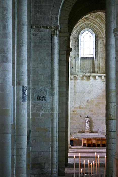 Side aisle, Église Notre-Dame de Cunault, Cunault (Maine-et-Loire) Photo by PJ McKey