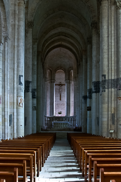 Nave, Église Notre-Dame de Cunault, Cunault (Maine-et-Loire) Photo by PJ McKey