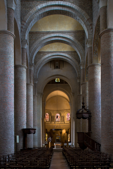 Nave and choir, Basilique Saint Philibert, Tournus (Saône-et-Loire) Photo by Dennis Aubrey