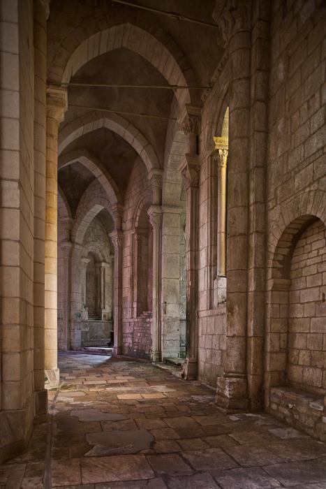 Side aisle, Prieuré Notre-Dame, La Charité-sur-Loire (Nièvre) Photo by PJ McKey