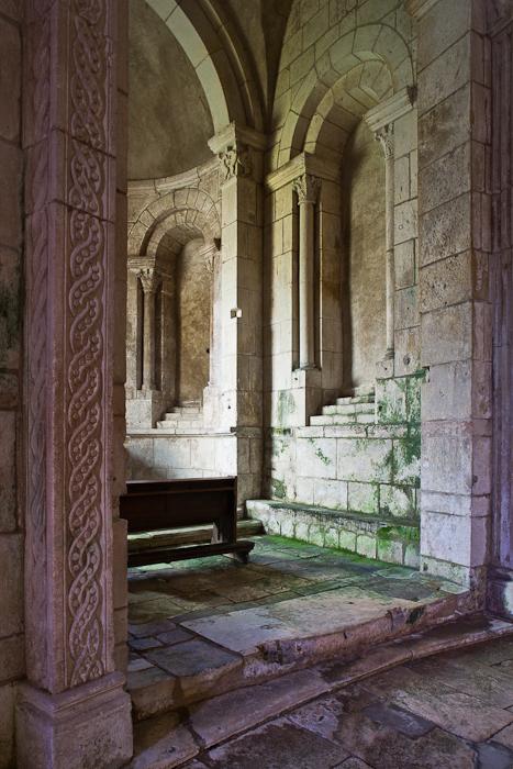 Ambulatory, Prieuré Notre-Dame, La Charité-sur-Loire (Nièvre) Photo by PJ McKey
