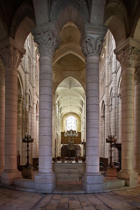 Hemicycle, Prieuré Notre-Dame, La Charité-sur-Loire (Nièvre) Photo by PJ McKey