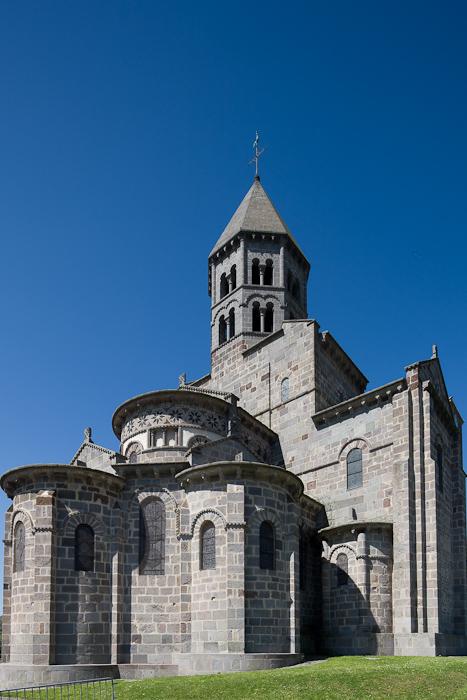 Chevet, barlong, and clocher, Basilique Saint Nectaire, Saint Nectaire (Puy-de-Dôme) Photo by Dennis Aubrey