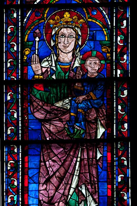South transept lancet - Virgin and child,  Cathédrale Notre Dame de Chartres, Chartres (Eure)  Photo by Dennis Aubrey