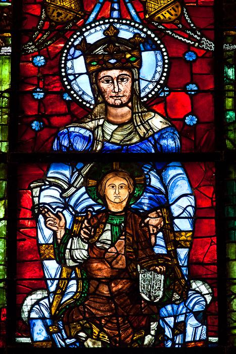 Notre Dame de la Belle Verriere, Cathédrale Notre Dame de Chartres, Chartres (Eure)  Photo by Dennis Aubrey