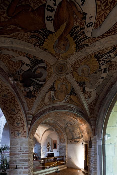 Ambulatory vault, Église Saint-Pierre-et-Saint-Paul à Ottmarsheim, Ottmarsheim (Haut-Rhin)  Photo by Dennis Aubrey