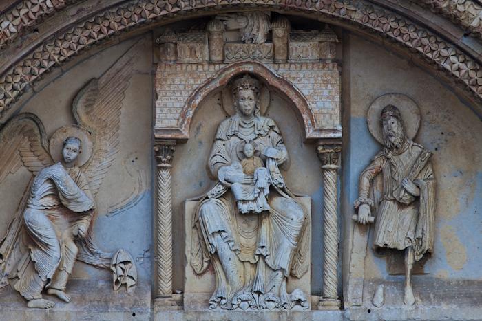 Tympanum, Église Notre-Dame du Pré, Donzy-le-Pré (Nièvre)  Photo by Dennis Aubrey