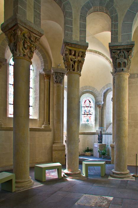 Hemicycle, Basilique Notre Dame de Saint Nectaire, Saint Nectaire (Puy-de-Dôme) Photo by PJ McKey