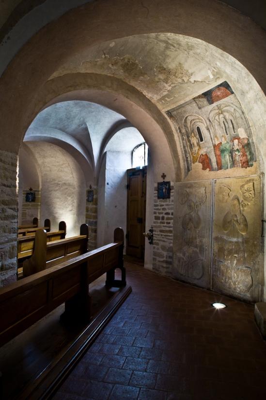 Arcade with frescoes, Église Saint-Pierre-et-Saint-Paul à Ottmarsheim, Ottmarsheim (Haut-Rhin)  Photo by PJ McKey