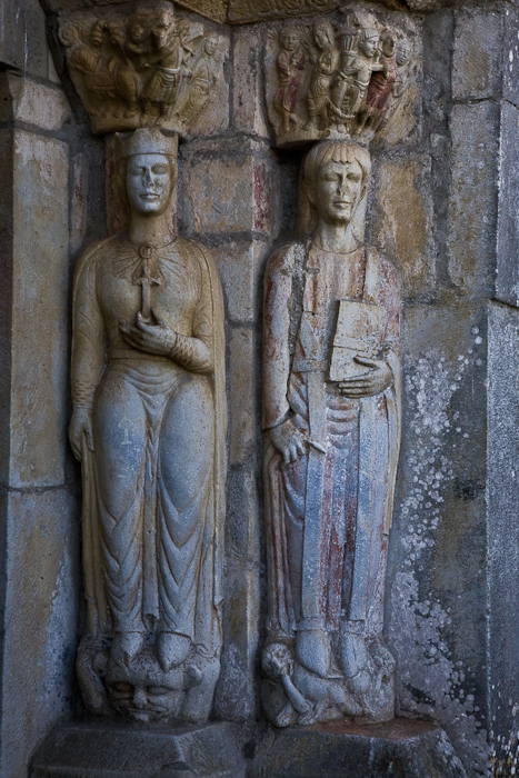 Portal statues - Sainte Hélène and Saint Justus, Église Saint Just de Valcabrère, Valcabrère (Haute-Garonne) Photo by PJ McKey