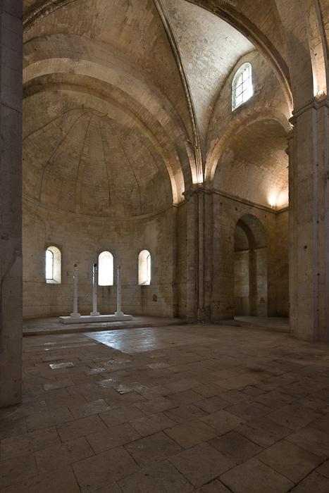 Apse and side chapel, Abbaye Saint-Pierre de Montmajour, Arles (Bouches-du-Rhône) Photo by Dennis Aubrey