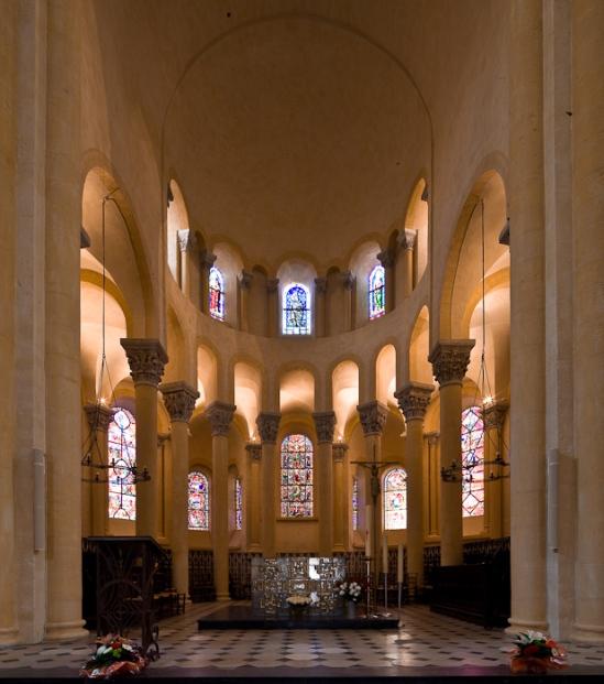 Apse, Notre Dame du Port, Clermont-Ferrand (Puy-de-Dôme) Photo by Dennis Aubrey