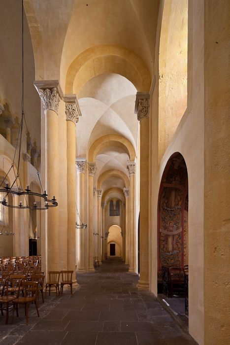 North side aisle, Notre Dame du Port, Clermont-Ferrand (Puy-de-Dôme) Photo by Dennis Aubrey