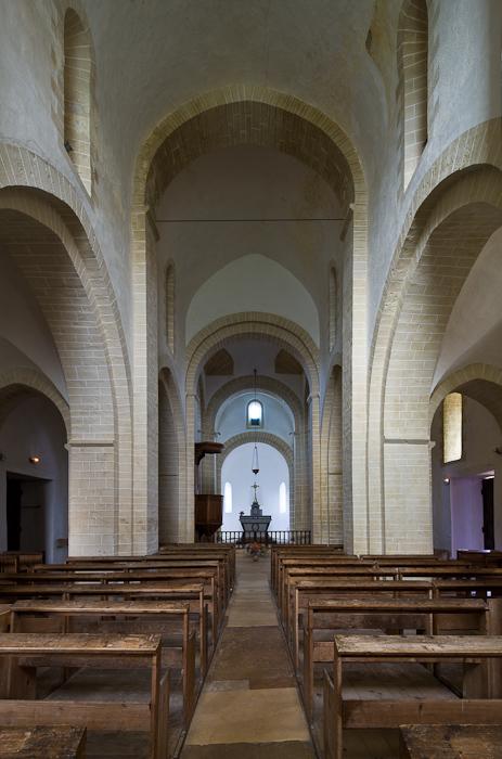Nave, Église Notre-Dame-de-la-Nativité, Malay (Saône-et-Loire) Photo by Dennis Aubrey