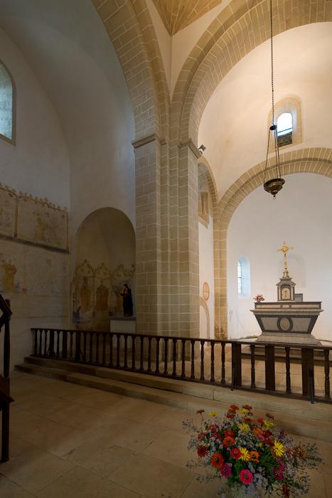 Chancel, Église Notre-Dame-de-la-Nativité, Malay (Saône-et-Loire) Photo by Dennis Aubrey