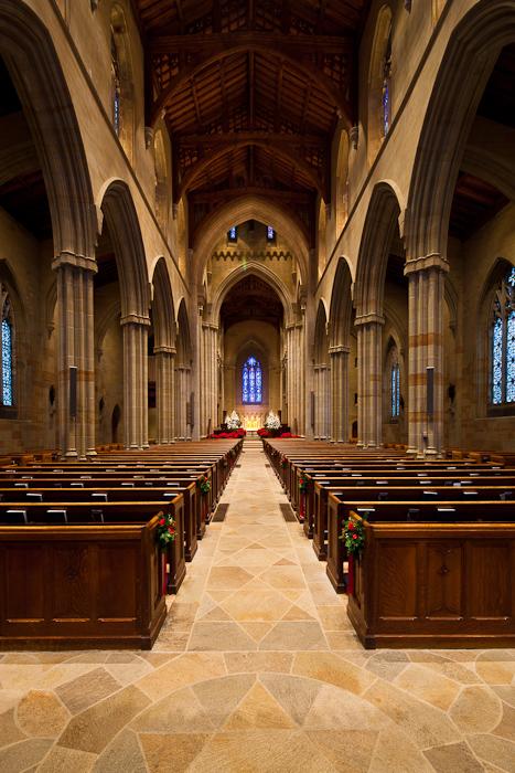 Rising nave floor, Bryn Athyn Cathedral, Bryn Athyn (Pennsylvania) Photo by Dennis Aubrey