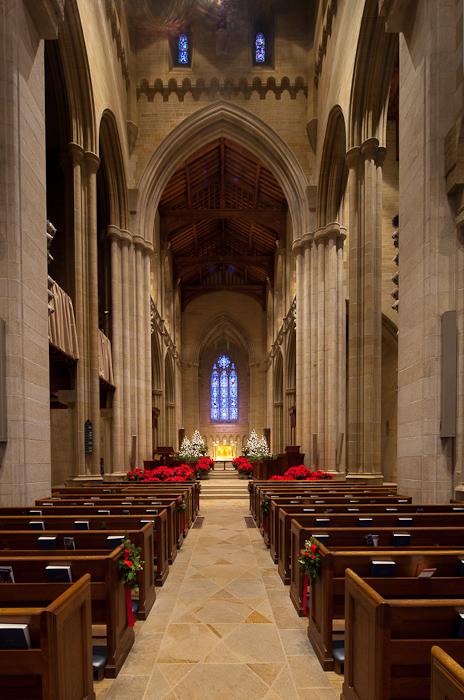 Nave pillars, Bryn Athyn Cathedral, Bryn Athyn (Pennsylvania) Photo by Dennis Aubrey
