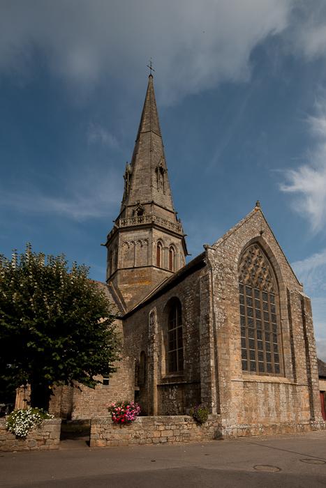 Flat chevet, Église Notre Dame de Joie, Merlévenez (Morbihan) Photo by Dennis Aubrey