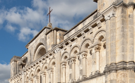Third level of façade, Église Saint Jacques, Aubeterre-sur-Dronne (Charente) Photo by Dennis Aubrey