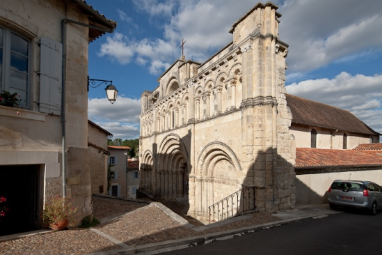 View from southwest, Église Saint Jacques, Aubeterre-sur-Dronne (Charente) Photo by Dennis Aubrey
