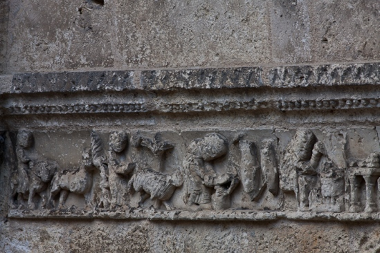 Frieze, Église Saint Jacques, Aubeterre-sur-Dronne (Charente) Photo by Dennis Aubrey