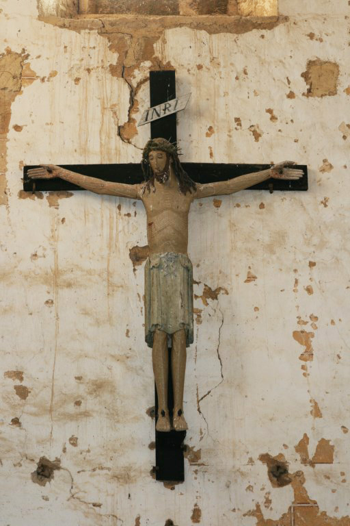 Crucifix, Église Saint-Pierre-aux-Liens,  Varenne-l'Arconce (Saône-et-Loire)  Photo by Mihran Amtablian (Creative Commons Attribution-Share Alike 3.0 Unported)