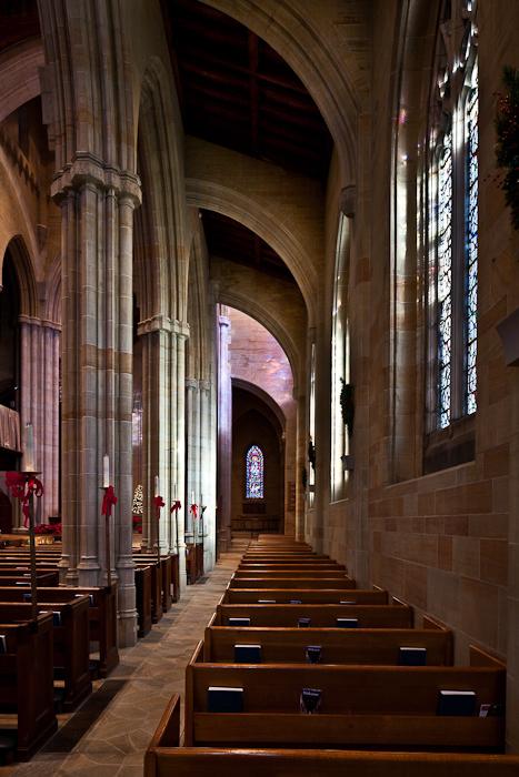 Side aisle with quarter round arches, Bryn Athyn Cathedral, Bryn Athyn (Pennsylvania) Photo by PJ McKey